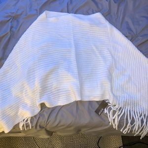 Women's Brand New Knitted Poncho